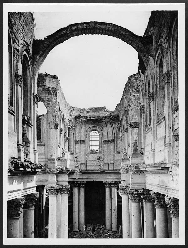 (49) D.1319   Interior Of Arras Cathedral Wrecked By Boche Shell Fire